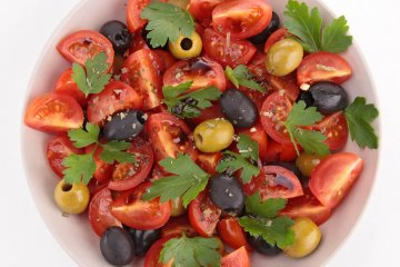 tomato salad with herbs
