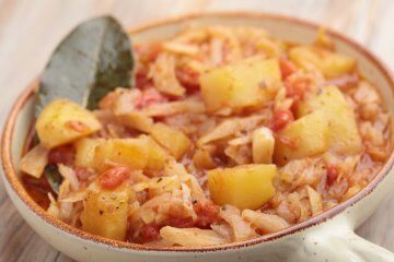 Slow cooked potatoes and cabbage