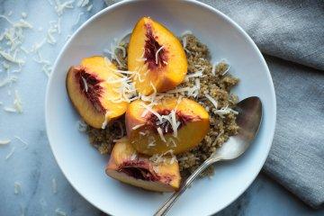 Cinna-Vanilla Quinoa Breakfast Bowl
