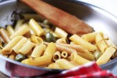 Rigatoni with fennel and capers