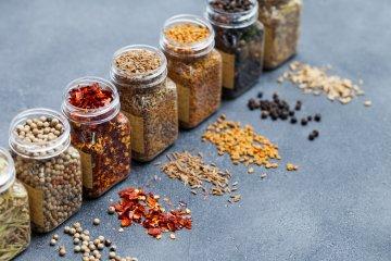 How to Grow an Indoor Spice Garden