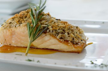 Walnut-Rosemary Crusted Salmon