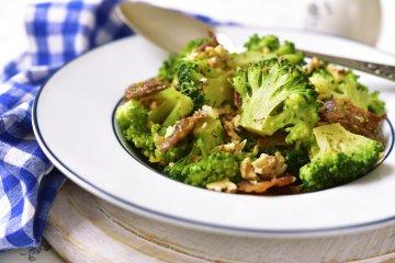 Creamy Broccoli Walnut Salad