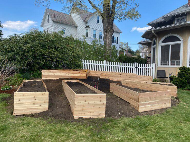 Built-In Hillside Planter Boxes for Sloped Yards