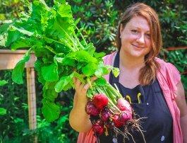 10 Summer Garden Chores for a Happy Garden
